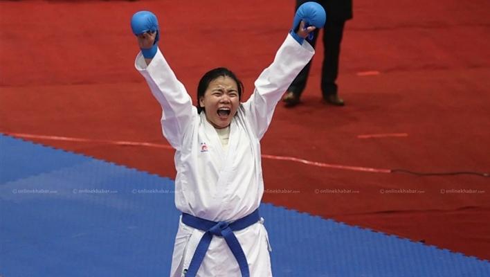 कराँते खेलाडी अनुपमा मगरले जितिन् स्वर्ण पदक