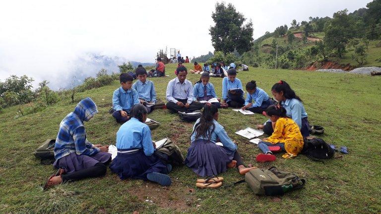 विद्यार्थी बोलाउने होइन शिक्षक टोलमै पठाउने