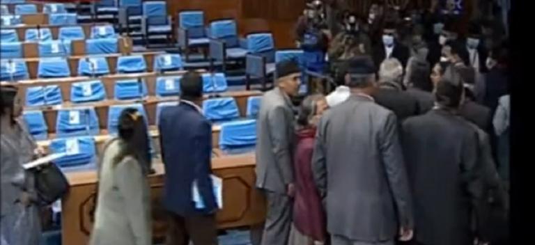 प्रचण्ड-माधव समूहद्वारा संसद बैठक बहिष्कार